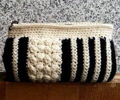 ストライプポーチA ホワイト×ブラック(糸1・9 ファスナー841)毛糸蔵かんざわオリジナルキ...