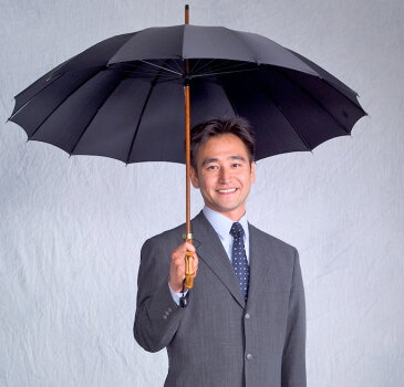 【名入れOK】前原光栄Bamboo16 (ブラック)「皇室御用達」前原光榮商店 紳士雨傘持つほどに愛着がわく紳士傘名前入れオプション\3000(税別)【1】ネームプレート打込(2/8仕上予定)【2】お名前ハンドル手彫り(2/19仕上予定)