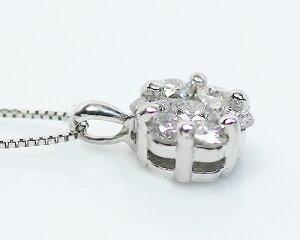 K18WG0.3ctダイヤモンド7ストーンペンダント