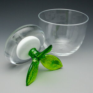 白カブをモチーフにした重石がおしゃれな浅漬鉢白カブの漬物器<ガラス工房CRAFTHOUSE>