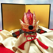 ガラスの兜。五月人形、かぶとを端午の節句のお祝いに!【金屏風セット付き】出世兜(黒×赤)<ガラス作家国広育伸>