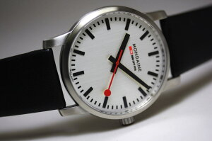 ETA社Cal.2801-2手巻きムーヴメントを搭載!世界限定400本!スイス鉄道公式時計MONDAINE【モン...