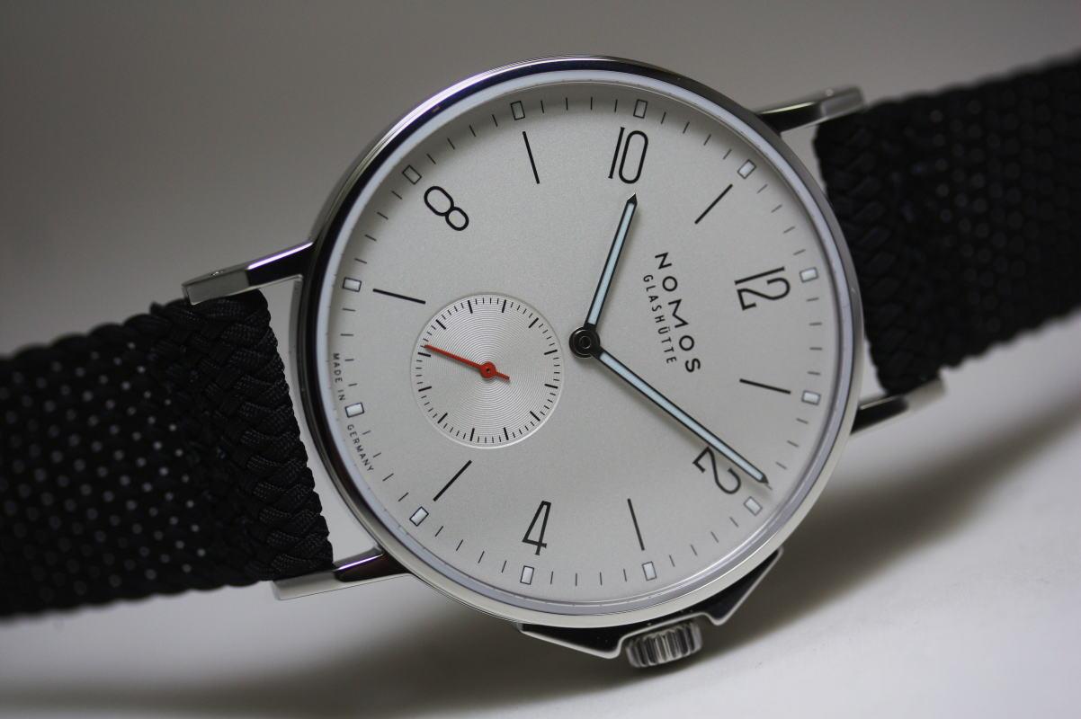 ドイツ製NOMOS【ノモス】Ahoi200m防水自動巻き腕時計/バウハウス・デザイン/グラスヒュッテ/正規代理店商品
