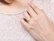 [送料無料]婚約指輪エンゲージリングダイヤモンドリング指輪コンビリングプラチナイエローゴールドk1818金18kピンキーリングダイヤスパイラルウェーブリングレディース【_包装】05P23Aug15