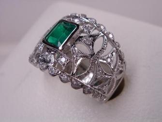 ◆PTエメラルドリング0.45ct&ダイヤ計0.33ct FR