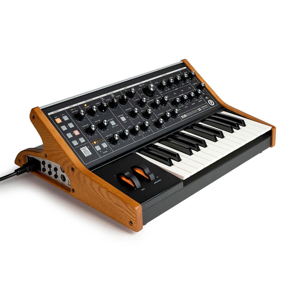 ピアノ・キーボード, キーボード・シンセサイザー Moog Subsequent 25