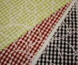 ミニミニギンガムチェックにオフホワイト花柄輪郭のT/Cブロード・プリント♪巾112cm日本製布生地布地服地綿コットン生地ポリエステル通販激安チェック柄