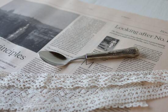 ピンクペーパー・英字新聞(未使用イギリス新聞) 10枚入り /ディスプレイや包装紙などにおすすめ/メール便可