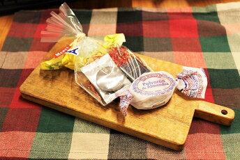 小沢賢一さんのカッティングボード彫あり小木製トレイプレゼントカフェ北欧天然木