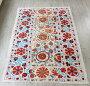 SUZANIスザンニ・スザニウズベキスタンの刺繍布206×143cmカーネーションの花