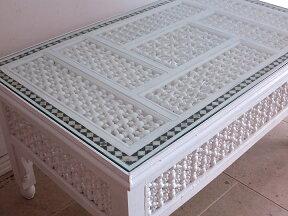エジプトの工芸家具ローテーブル・マシャラビア・ホワイト・Lサイズエジプト製イスラミックな幾何学デザインのテーブル<象嵌イスラム芸術・美術品・工芸品・イスラム建築・エジプト>