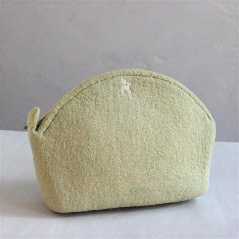 キルギスのフェルト・コスメポーチ Kyrgyzstan Felt cosmetic bag Natural dyeing草木染め・エスパルセットで染めたグリーン