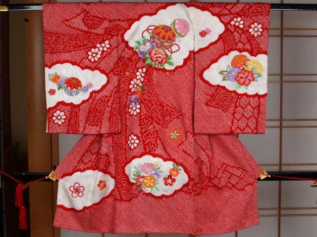 女児用産着 絞り刺繍 手毬と四季の花々 赤【smtb-k】【ky】:きもの処えりよし