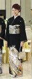 【レンタル】 黒留袖レンタル 着物レンタル 留袖 桂由美  「花の訪れ」 MS/MLサイズ yumi-katsura-2 フルセット 黒留袖 レンタル 結婚式 披露宴 レンタル 母親 親族 列席者 おすすめ 貸衣装 正絹 姉妹 叔母 伯母