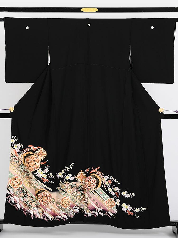 【レンタル】 黒留袖レンタル 着物レンタル 留袖 「鼓(つつみ)に吹き流し」 1706 フルセット 黒留袖 レンタル 結婚式 披露宴 レンタル 母親 親族 列席者 おすすめ 貸衣装 正絹 姉妹 叔母 伯母
