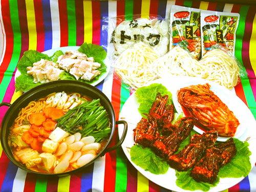 【送料無料!6〜7人前】超豪華チゲ鍋6点セット(4切ケジャン×2・スープ×3・鍋用豚肩ロース・500白菜・うどん×3・トック(生餅))[韓国食材] お取り寄せ