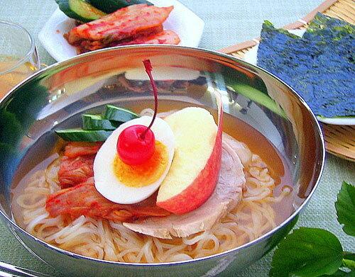 Korean representative noodles dish Imperial Court cold noodle [Korea cold noodle lei men soup lei men soup cold noodle]