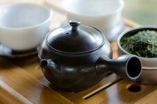 小さな急須で丁寧に淹れたお茶は、極上の味わい。光松--cc常滑焼深蒸し茶用帯網急須【ab】【asr】02P03Dec16