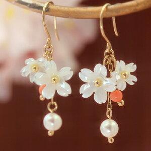 白蝶貝 ホワイトパール ピンク珊瑚 ゴールド ピアス レディース 桜 さくら桜 ピアス レディース...