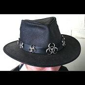 【ハンドメイド】シルバーアクセサリーピアスHELL'SGENTLEMAN(帽子飾り)
