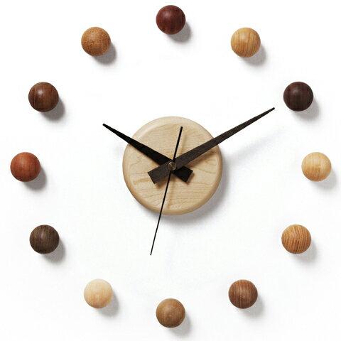 時計 木の時計 木製時計 壁掛け時計 サテライトクロック リビング インテリア 壁掛け デザイン 衛生 天然木 球 ランダム 贈り物 贈答 ギフト【smtb-KD】【P10】