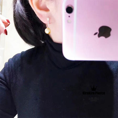 【RUKA瑠夏】☆新作☆ゴージャスな存在感を醸しつつ、お肌に優しくなじむゴールデンパールのピアス。素材の美しさが際立つシンプルなデザインです。ゆらゆらチェーンピアス白蝶真珠10-11mmPE0051A