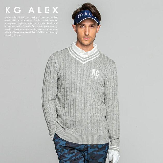 サガラ刺繍入りケーブル編みニットセーター