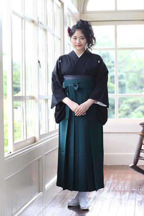 【レンタル】卒業式きもの袴レンタル 宝塚スタイル【貸衣裳】 黒紋付にモスグリーンの袴