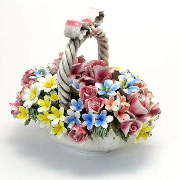 素敵なアイテム!《イタリア製》バラ 陶花 籐 バスケット入り ローズ アレンジメント 陶器製 薔薇 置物