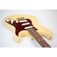 FENDER  DELUXE PLAYERS STRAT