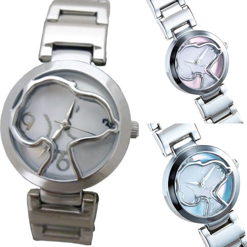 【すぐに使える10%OFFクーポン】天然ダイヤモンドスヌーピー腕時計【送料無料】美しいプラチナ色に輝くスヌーピーのウォッチ!12時の位置には天然ダイヤモンド2石使用!裏蓋にはシリアルナンバー入り、ピーナッツ正式ライセンス商品