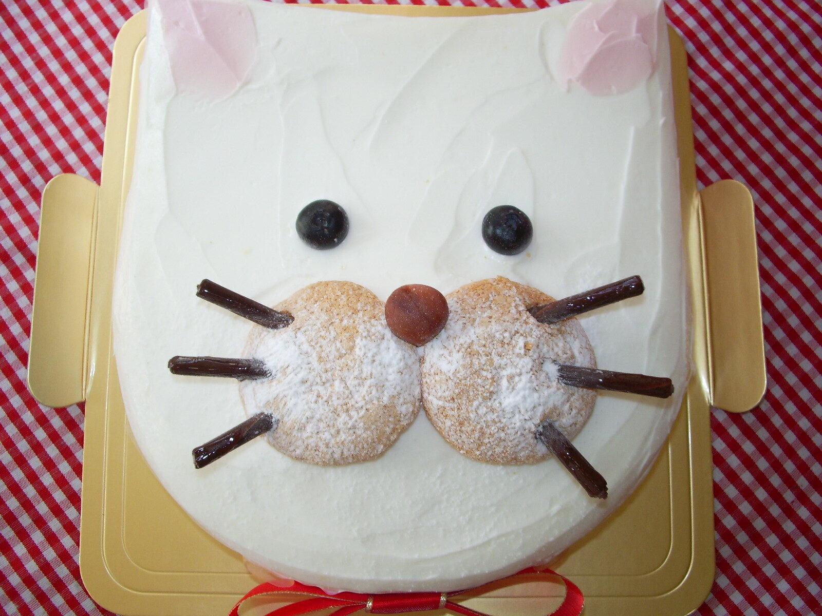 ★お誕生日やプレゼントに!ニャンコケーキ