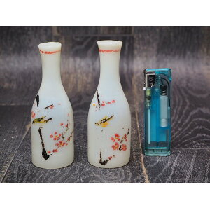 0162 Plums and Uguisama Sake bottle two set Funny curiosities Goods ☆ Taisho Pre-Showa War / [Used] Retro / Interior / Container / Aquarium /