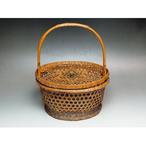 Hand-carrying bamboo basket with lid 0210 Old folk tools Yanagi Yori Kago Showa storage container [used] Japanese folk house props Farm tools JAPAN japanese antique vintage tableware cage basket