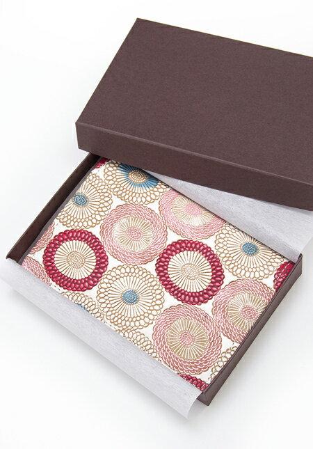 鮮やかな伝統とモダンが薫る工芸品の大人気【文庫革】。持ってると必ず褒められる可愛さです。贈り物にも最適です