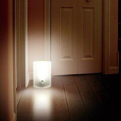 送料無料♪乾電池式LEDセンサーライト BSL-05W ホワイト[室内用・照明・自動・点灯・玄関照明・...