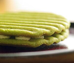 京はやしや人気商品!抹茶クッキーになめらかなクリームをサンドしました。抹茶みるくサンド(1...