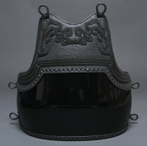極上クロザン三本足胸50本型変り塗り剣道防具胴 梁山
