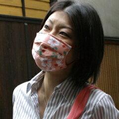 男性でもご使用いただける大きめのプリーツタイプのガーゼマスクです♪京都くろちく本店・オリ...