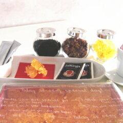 サフランティー約100杯分☆ 最高級ハーブ、サフランを贅沢に使用いつもの紅茶とコーヒーも美味...