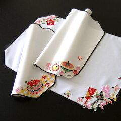 <ami-bruggeのお正月>アミ・ブルージュの迎春アイテムカットワーク&刺繍ランチョンマット約4...