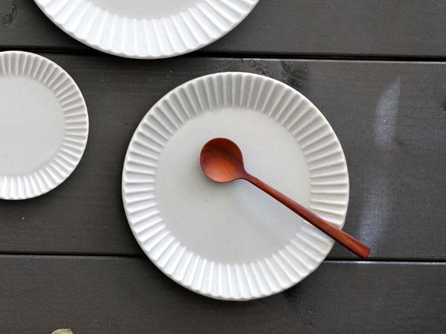 【作山窯-SAKUZAN-】SAKUZAN DAYS Sara ストライププレートS リム皿 グレイ グレー 灰色 お皿 15cm サラ プレート 取り皿 小皿 カフェ 磁器 日本製 陶器Stripe Plate S画像