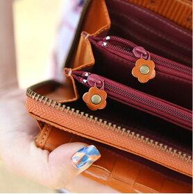 ネット限定販売本革使用の多収納ファスナー長財布★ジラソーレシリーズ