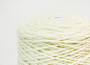 しっかりした糸で、立体的な模様が出やすい。ワッフル(Avril糸)100g