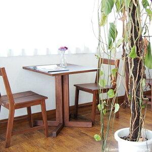 アクビィチーク無垢カフェテーブル使用イメージ