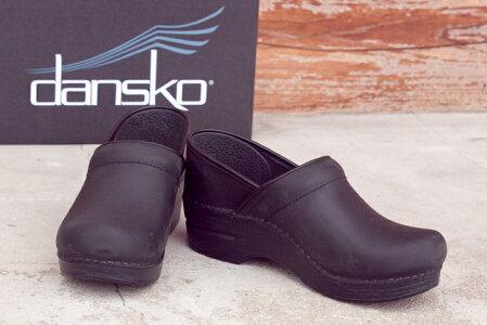 DANSKO定番プロフェッショナルオイルドブラックレザーどんなファッションにもあっちゃいます!