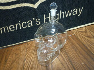 Scull (skeleton) crystal decanter / vodka / bourbon / Scotch Whiskey / skeleton lock