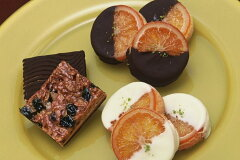 銀座ル・ブランのオレンジの甘味と皮の渋みが絶妙の2種類の「ガレットオランジェ」と最も長く愛...