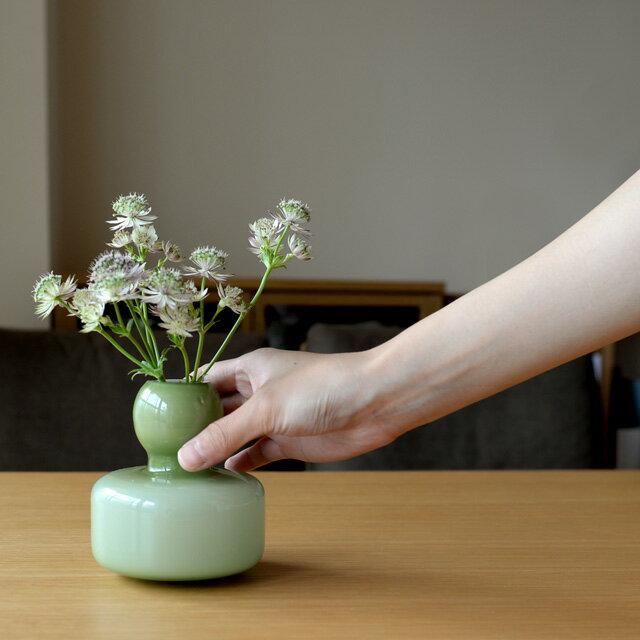 マリメッコ フラワーベース 601 オリーブオパール marimekko 小さい 花瓶 067644 オリーヴ グリーン 北欧 フィンランド 手吹きガラス 一輪挿し
