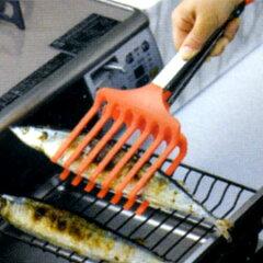 【ポイント最大14倍】グリルで焼いた魚が盛り付けも簡単に! トング盛り付け名人 トングにもな...